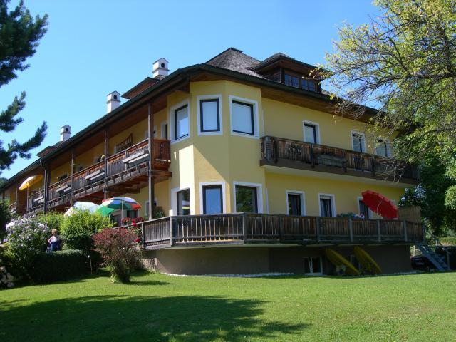 Haupthaus, Ferienwohnungen & Büro
